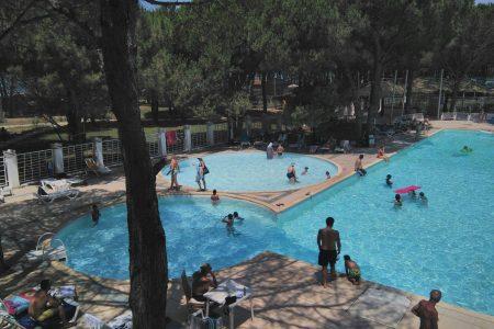 9. Giant pool